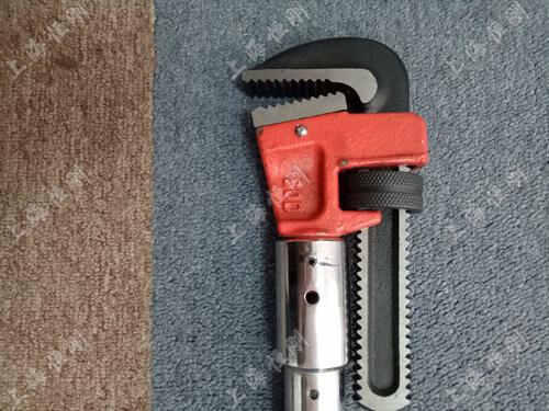 扭矩值显示的扭力扳手   可换管钳头