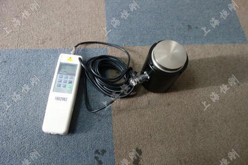 非标式柱型数显测拉压力表